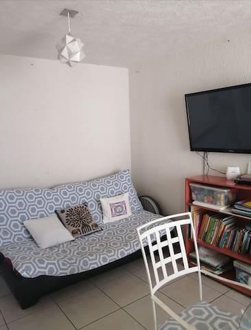 Casa pequeña, cómoda y funcional. Cerca aeropuerto