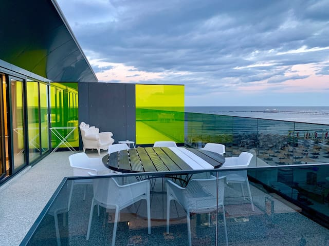 Family Penthouse-Lateral Sea View