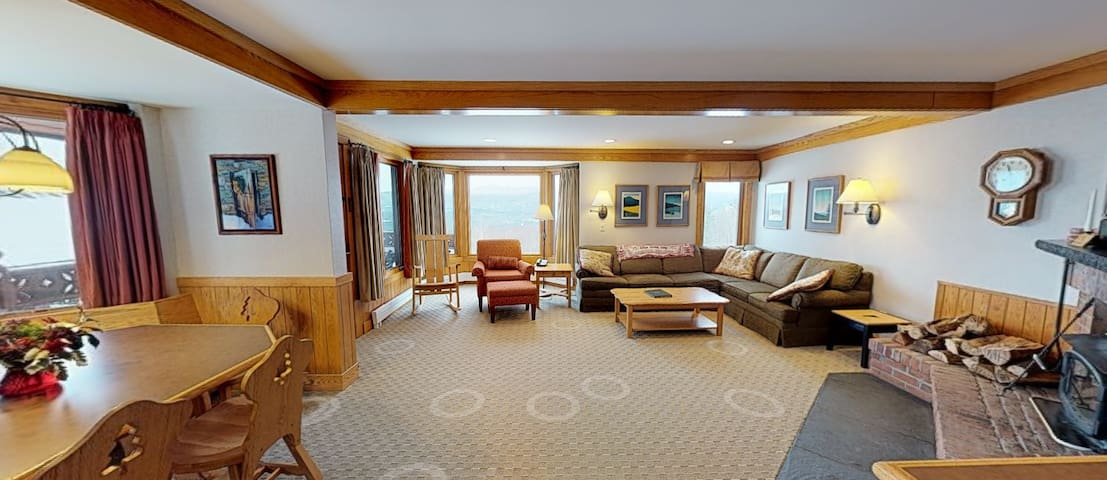 Trapp Family Lodge Guest Chalet Stowe VT 12/22-29