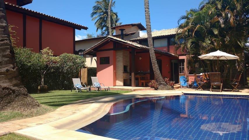Linda casa com piscina no Perequê! - Ilhabela - House
