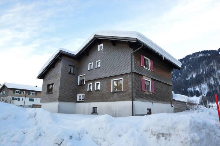 Geräumige Hütte in Au nahe dem Skigebiet