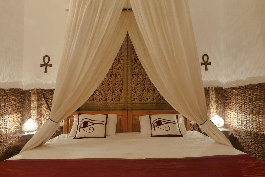 The master bedroom with 2x2 meter double bed or 2 single beds.
