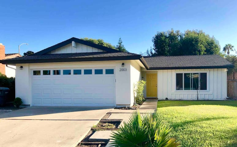 3BD/2BA Home—Clean, Bright, Convenient!