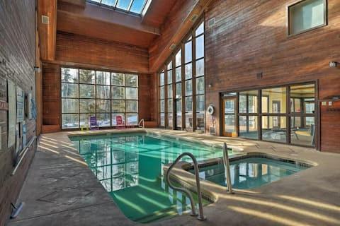 Modern Condo w/Forest View.  Pool/Spa/Sauna Open!
