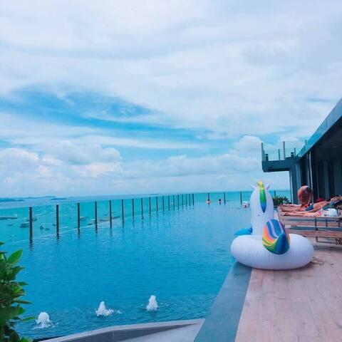 K6芭提雅市中心The base公寓 三分钟到海边温馨一居室 无边泳池俯瞰整个芭提雅 美味海鲜大排档