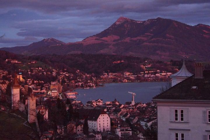 Wunderschöne Wohnung über den Dächern von Luzern