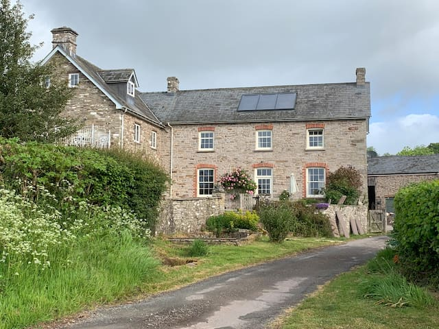 Traditional Farmhouse between Hay and Brecon