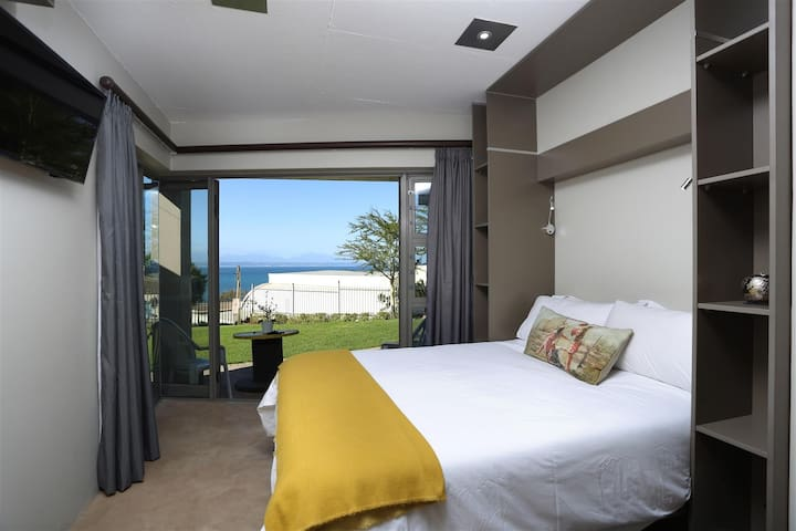 Loft with lovely seaview!