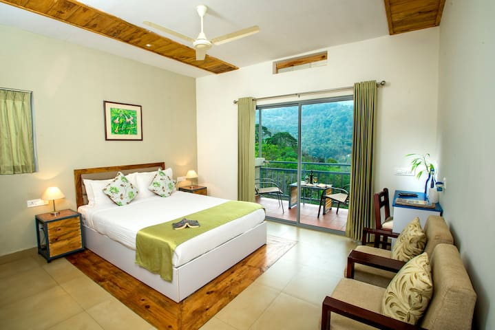 Mistletoe Homestay and Cafe Room 1 - Munnar - Casa