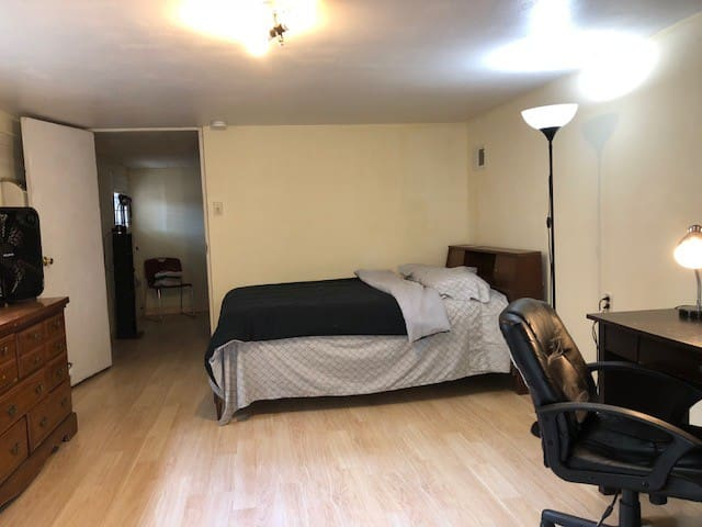 2furnished room/private entrance/Tulane University
