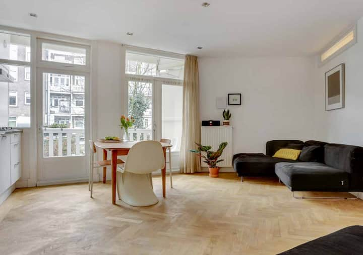 FULL modern apartment + balcony near Vondelpark