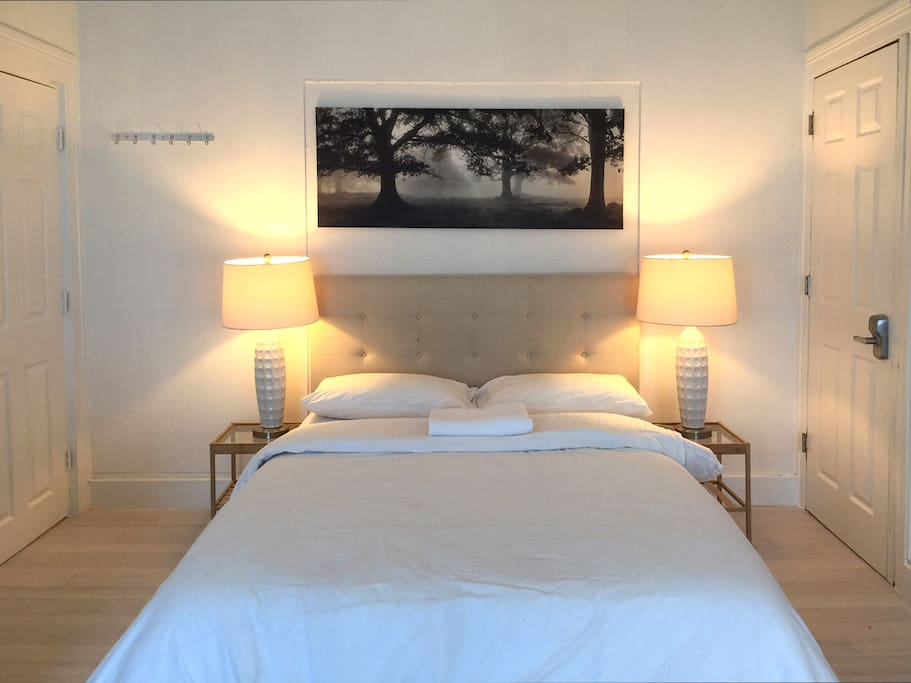 Top sunny private room w private adjoining bath for Rooms for rent in nyc with private bathroom
