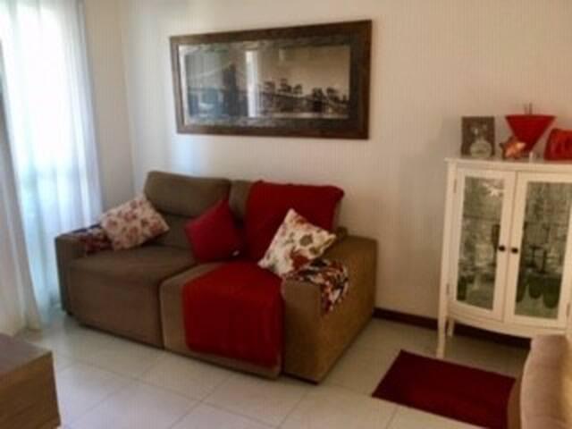 Apartamento super aconchegante em J. Camburi.