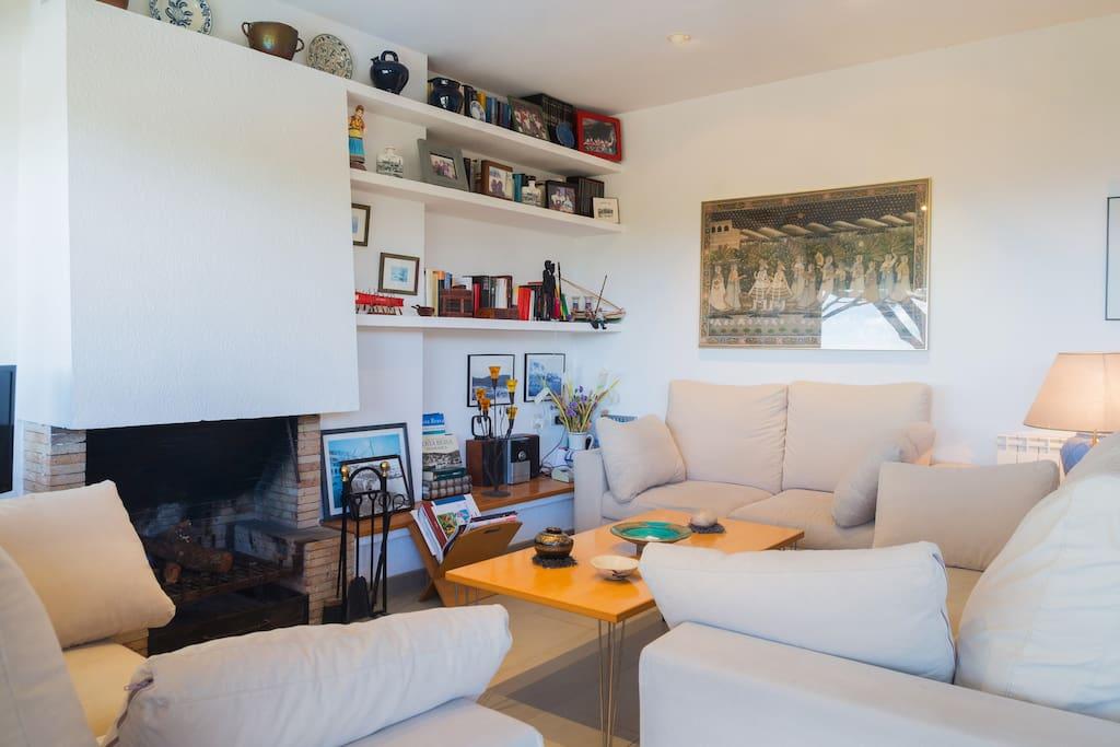 Apartamento con vistas al mar apartamentos en alquiler - Apartamento calella de palafrugell ...