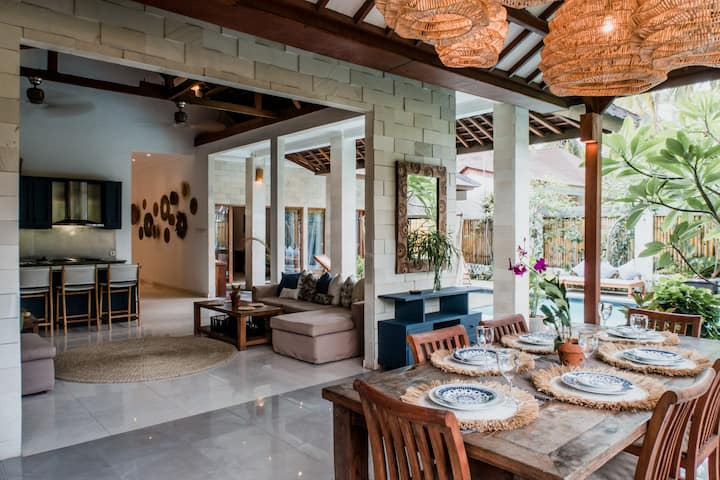 Impressive 3 BR Tropical Villa w/ Pool & Swings