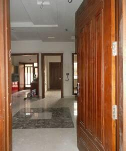 First floor of a calm house - Faridabad