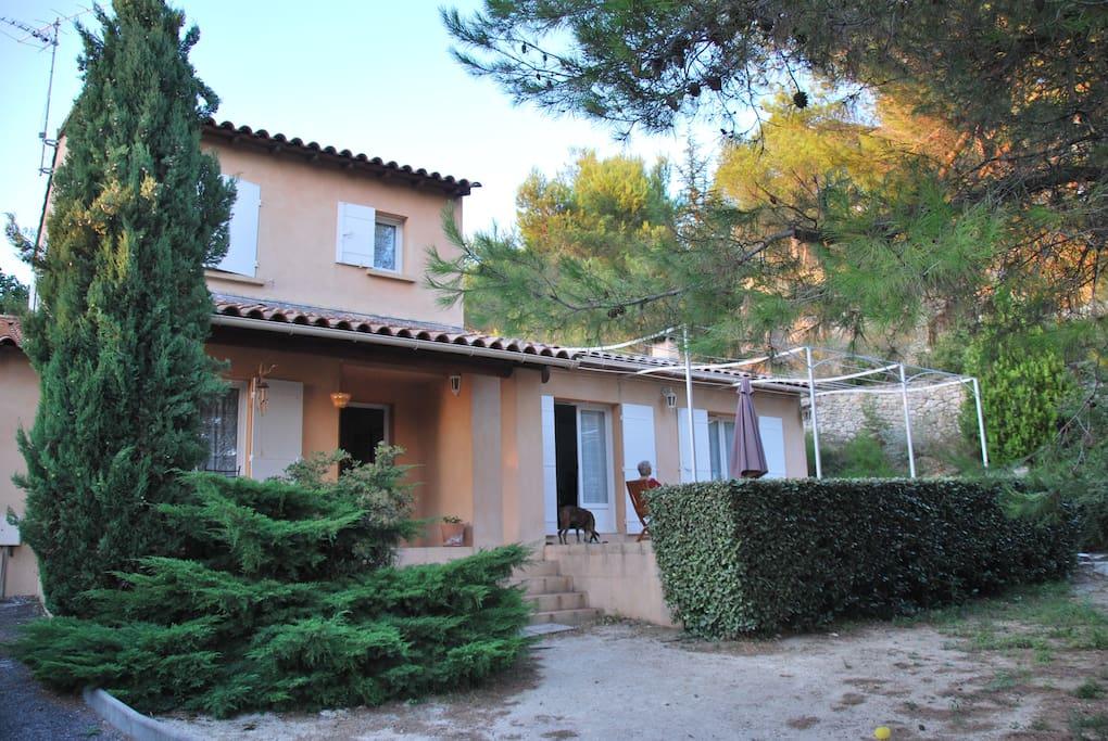 Belle maison proven ale casas en alquiler en beaucaire languedoc rosell n francia - Casas de alquiler en francia ...