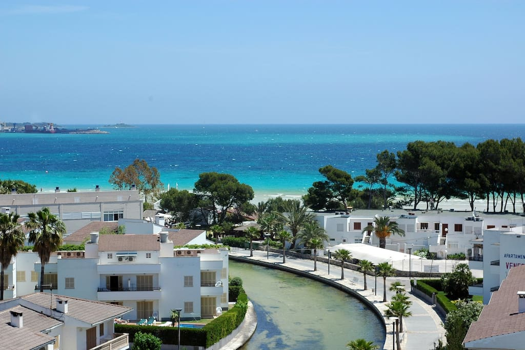 Duplex con vista mare e il lago a port d 39 alcudia appartamenti in affitto a alc dia illes - Piscina coberta l alcudia ...