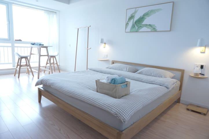 橘子洲上  远眺岳麓山  独立公寓  体验日式简适美学生活 - Changsha - Departamento