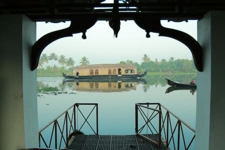 King Royal Water Villa - Manjishta - Alappuzha