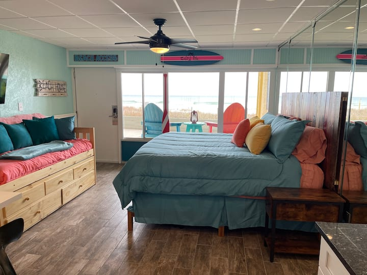 Newly renovated! Welcome to Shiloh! On the beach!!