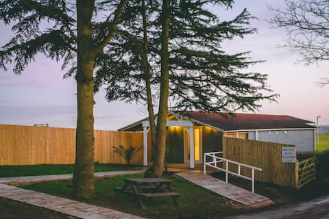 Stretton Hall Farm - The Lodge
