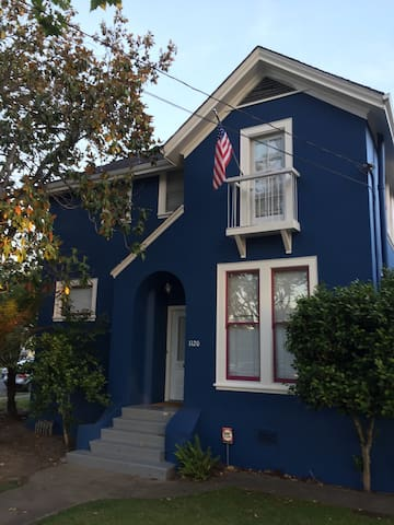 Spacious & Charming Gold Coast Home - Alameda - Other