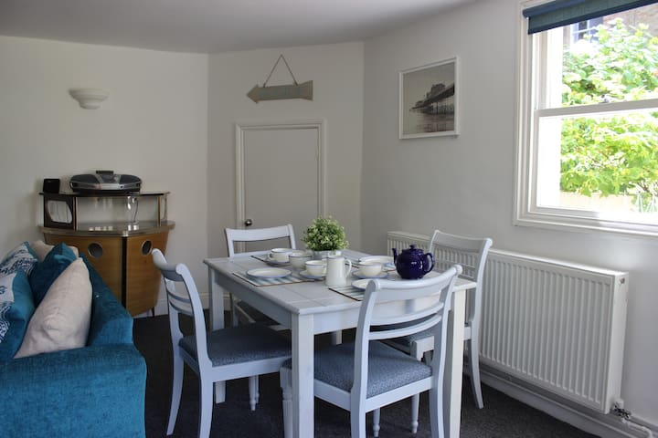 Seascape Beach Front Apartment - Worthing - Wohnung