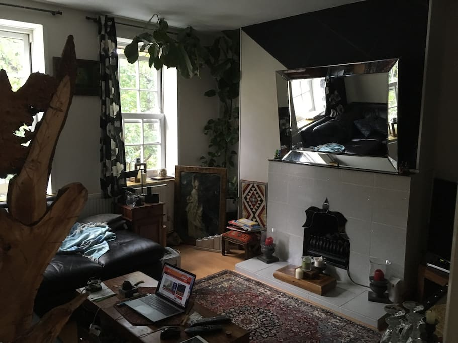 Living room, Friendly use