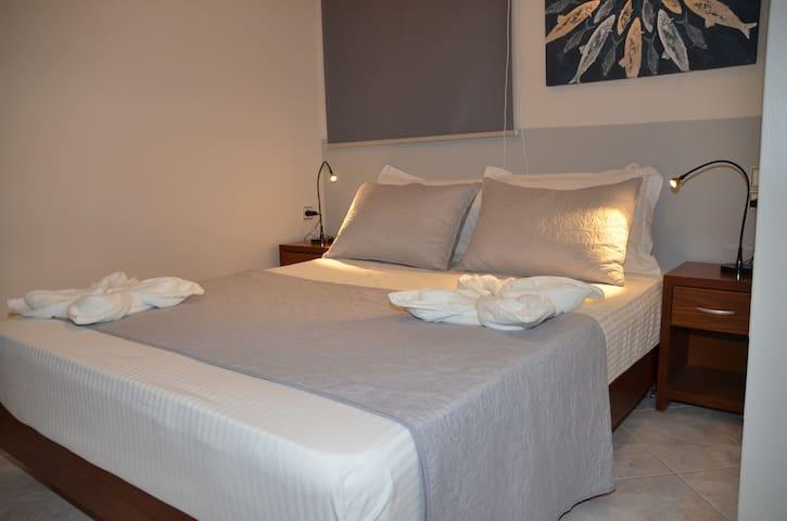 Vaso's 'Comfort Apt 1...Enjoy Chania city center!!