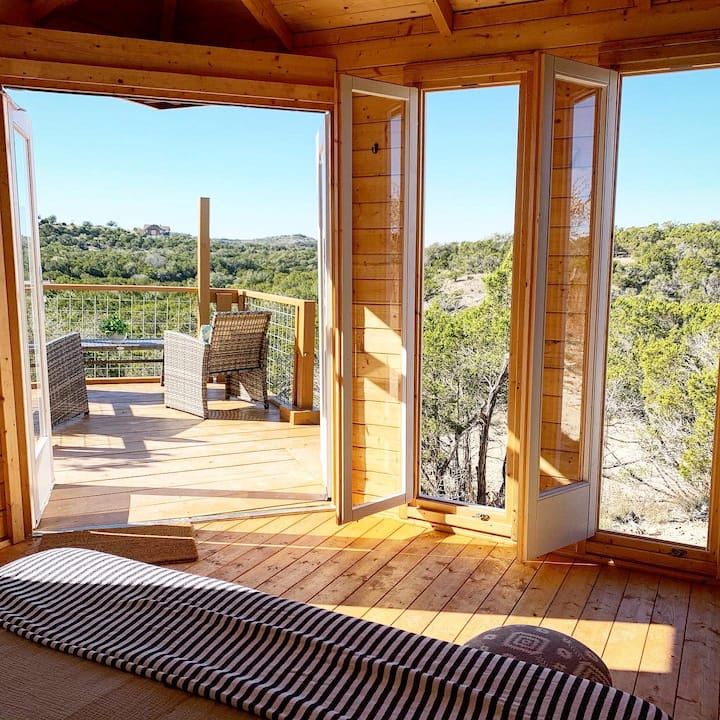 Courage Cabin @ 13 Acres Luxe Glamping - Hike/Yoga
