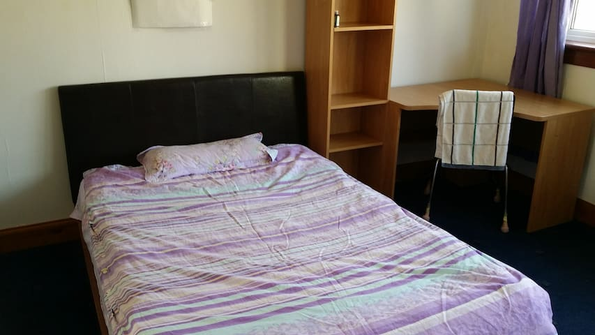 double bedroom in west edinburgh
