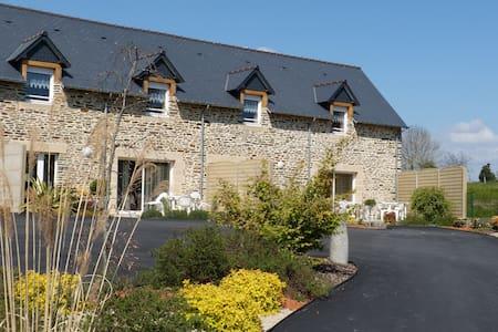 Gîte de caractère à 9km du Mont Saint Michel - Pontorson