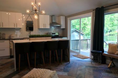 Gorgeous riverfront cottage, with quartz counters