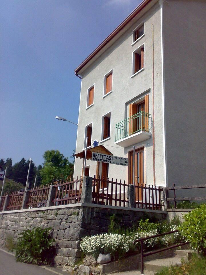 Appartamento soleggiato spazioso in montagna
