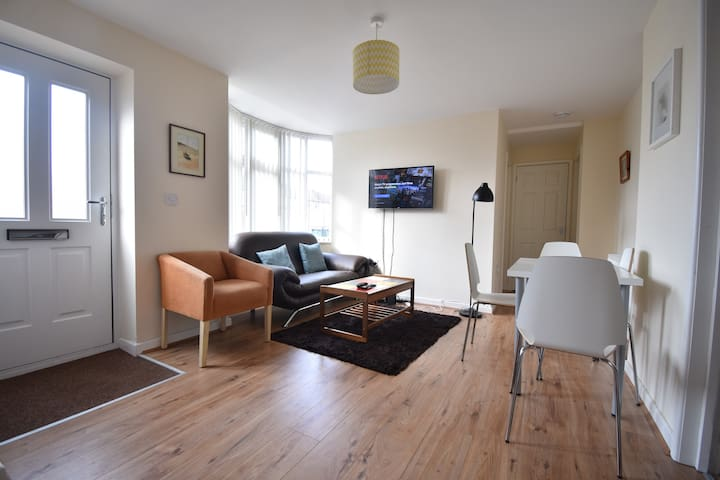 A45 and City Centre Four Bed Apartment