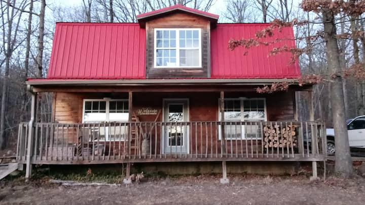 R&R Family Cabin near Devil's Den!