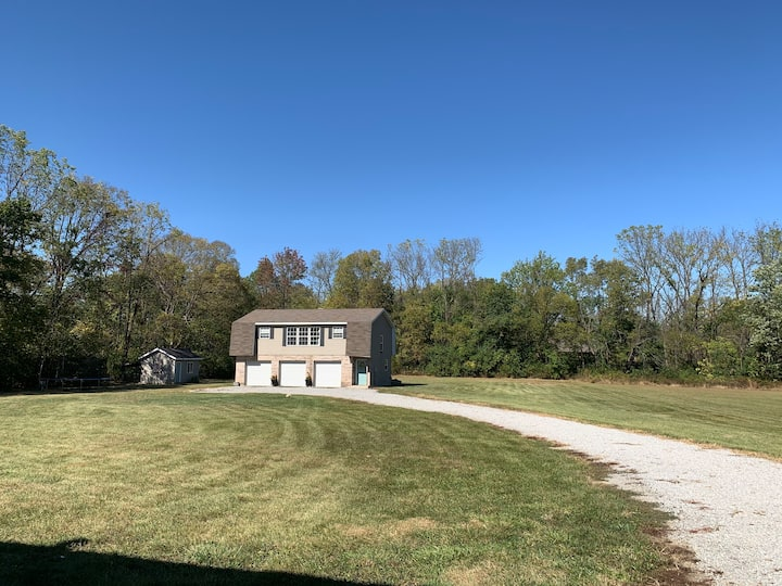 Private carriage house on 3 acres!