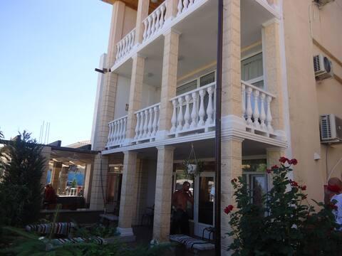 Квартира на берегу Черного моря ст. Каролино-Бугаз