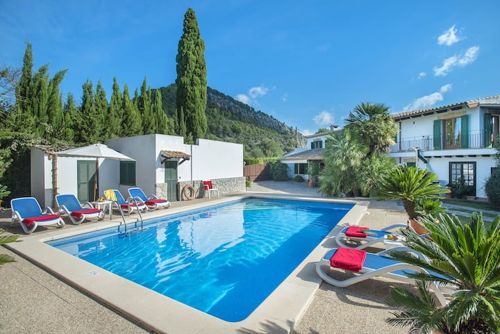 Beautiful Villa  Mairata with Private Pool and Mountain Views