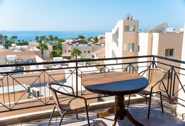 Seafront apartment close to Le Meridien Hotel.