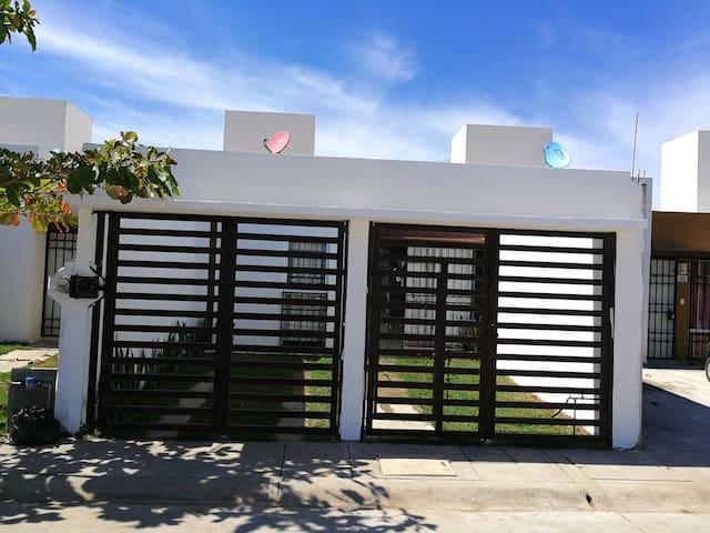Casa nueva a 15 min de playa y Pto Vallarta.