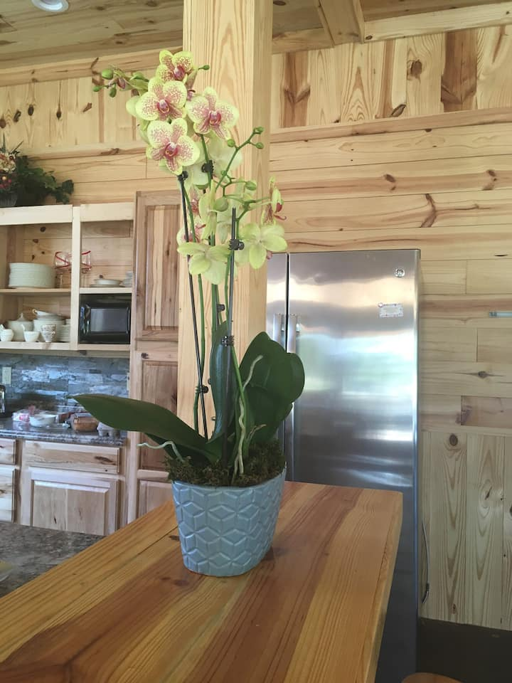 Country retreat 28 beds, 10 bth , $495.00