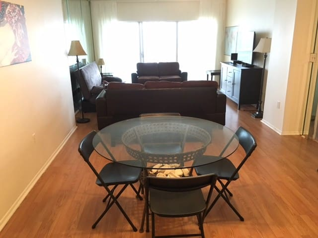 Ocean view Penthouse apartment on 24th floor - Hallandale Beach - Condomínio