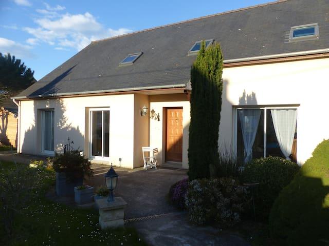 Chambre familiale avec Sdb et salon - Trégon - Dom