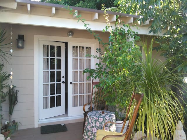 Oasis in the Very Heart of Ojai