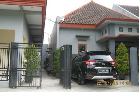Rumah Selaras  Jombang