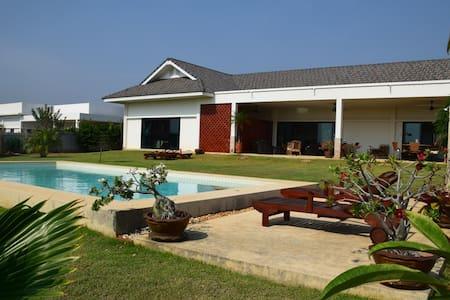 Private Pool Villa Pak Nam Pran - Pak Nam Pran - Huvila
