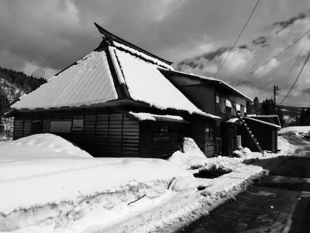 Authentic 80-year Wooden House Nozawa Onsen