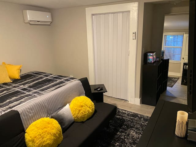 Ponce Apartment! Great location, private entrance!